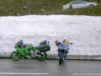 Varaa paksummat hanskat mukaan, myös heinäkuussa. Kuva 2002 (c) Manu Hakola