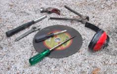 Aidoilla työkaluilla saat kliinisenkin autotallin näyttämään tosi-korjaajan lintukodolta!