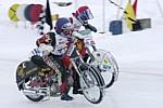 Antti Aakko rinnan Saksan Markus Schwaigerin erän 22 lähdössä.