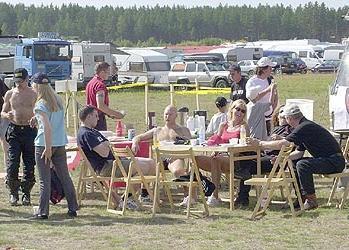 Ducati Club Finlandilla oli kokoontuminen tapahtuman yhteydessä. Klubi tarjosi ständillään pastaa nälkäisille. Kuva: (c) Janne Tervola
