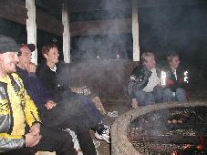 Herrasväet Kari Moilanen, Nedi ja hänen tyttöystävänsä Lennu6 sekä lisää tamsesterilaisia ulkosöhmiläisiä. Kuva: (c) antza@nic.fi