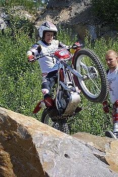 Hindrén, lähtee hakemaan kahdeksatta trialin Suomen mestaruuttaan ensi sunnuntaina Kirkkonummen Vuohimäellä ajettavassa päätösosakilpailussa.. Kuva 2002 (c) Markus Ström