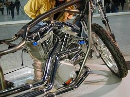 2-Rad Messe, Moottoripyörämessut Sveitsiläisittäin. Kuva (c) 2003 Kari Oila